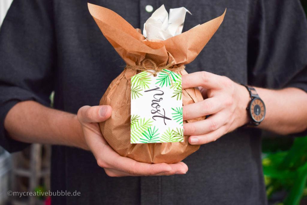 Kreative Geschenke für Oma und Opa Schnaps, Likör oder Wein